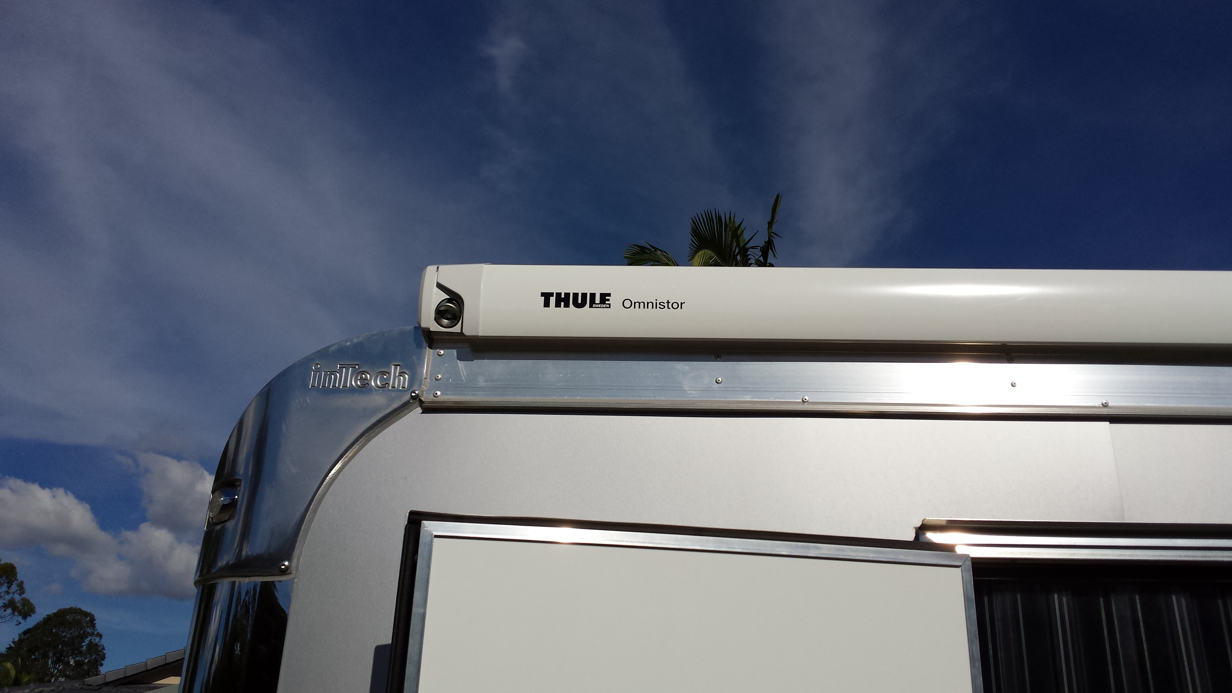 Australia Wide Annexes Gold Coast Roof Mounted Thule Awning